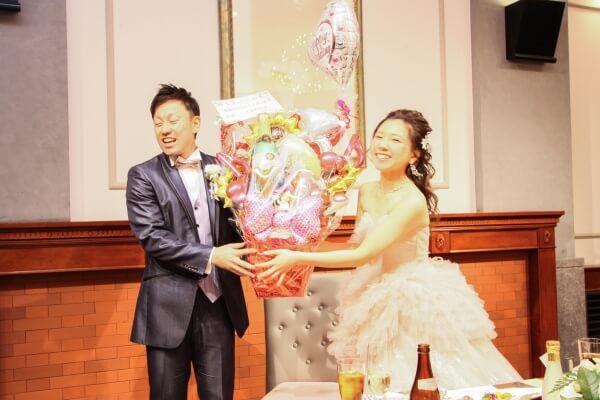 新潟市結婚式場 余興 プレゼント 感謝 カラードレス