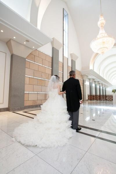 新潟市結婚式場 チャペル挙式 バージンロード エスコート 親の想い
