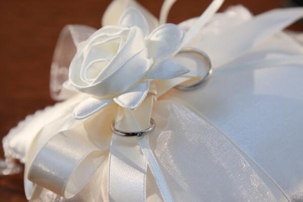 新潟市結婚式場 リングピロー diy チャペル挙式