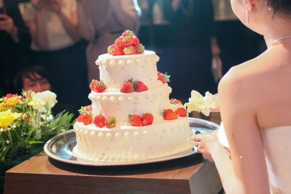 新潟市結婚式場 ケーキカット ファーストバイト ウェディングケーキ ウェディングアイテム