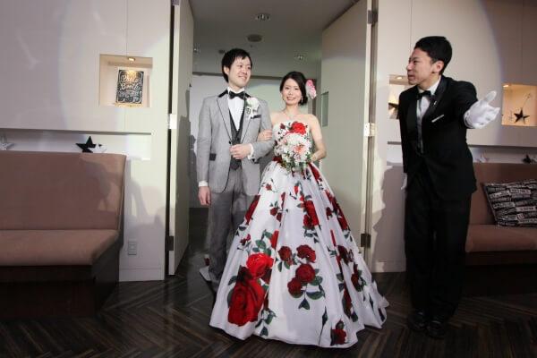 新潟市結婚式場 お色直し入場 カラードレス タキシード