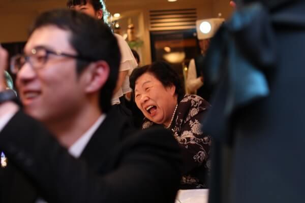 新潟市結婚式場 ケーキカット 演出 ホットケーキカット 大好物 ファーストバイト ゲスト 笑顔