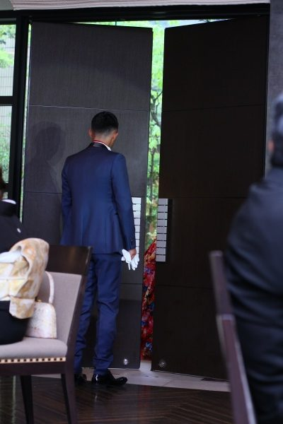 新潟市結婚式場 カラードレス お色直し入場