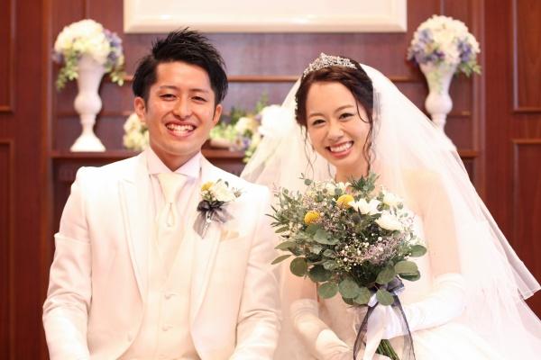 【結婚式で・・・お父さんお母さんへのサプライズ】感激の涙が止まらないチャペルでの挙式♪
