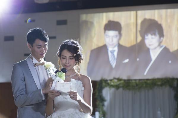 【結婚式のクライマックスと言えばコレ☆!】卒花さんに学ぶ、感謝のお手紙の書き方♪