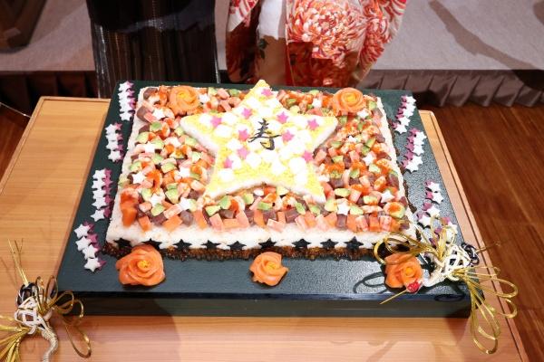 【ウェディングケーキならぬ、ウェディング〇〇?!】和装でも楽しめる入刀演出とは♡