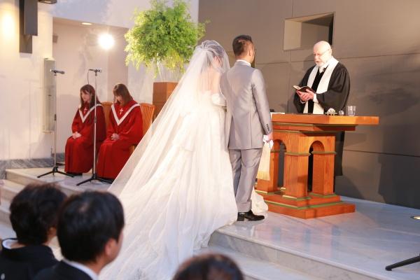 新潟市結婚式場ブライダルステージデュオ 新郎新婦 チャペル