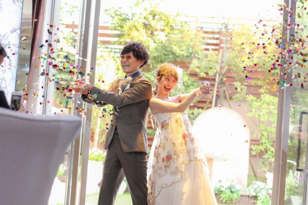 新潟市結婚式場ブライダルステージデュオ 入場 お色直し入場 ガーデン コンフェッティ