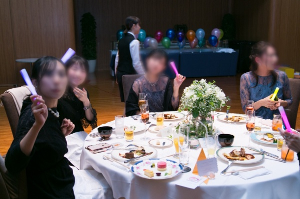 新潟市結婚式場ブライダルステージデュオ 入場 ペンライト