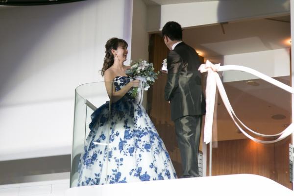 新潟市結婚式場ブライダルステージデュオ お色直し入場 階段