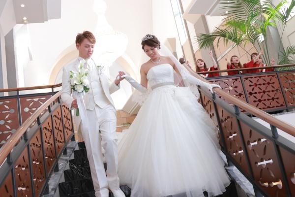 新潟市結婚式場ブライダルステージデュオ 階段 アフターセレモニー