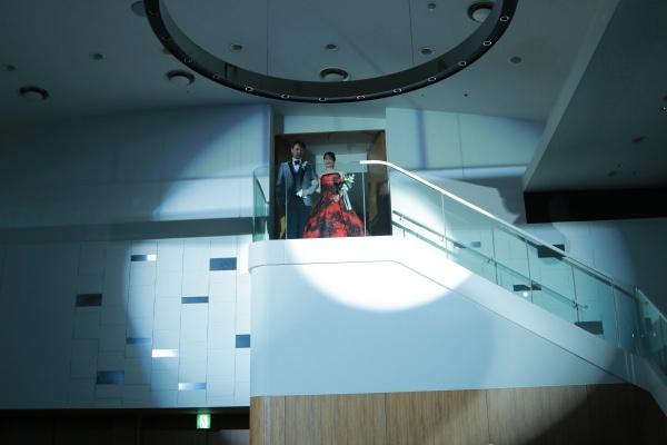 新潟市結婚式場ブライダルステージデュオ 階段 入場