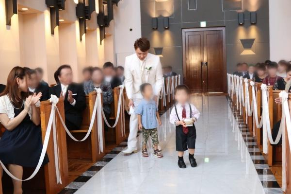 新潟市結婚式場ブライダルステージデュオ チャペル 入場 リングボーイ