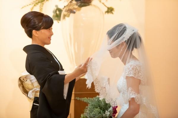 新潟市結婚式場ブライダルステージデュオ チャペル 新婦 ベールダウン