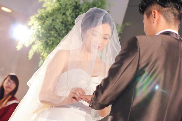 新潟市結婚式場ブライダルステージデュオ 新婦 ベール 花嫁