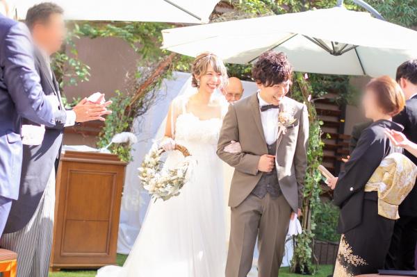 【花嫁さま大注目♡ガーデン挙式の魅力】グリーン&自然光たっぷりの開放的な挙式はいかがですか(//▽//)♪