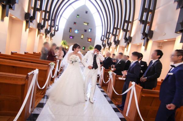 新潟市結婚式場ブライダルステージデュオ チャペル バージンロード フラワーシャワー